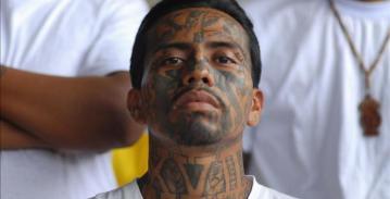 2012-06-20T042953Z_01_TBR26_RTRIDSP_0_EL-SALVADOR-GANGS